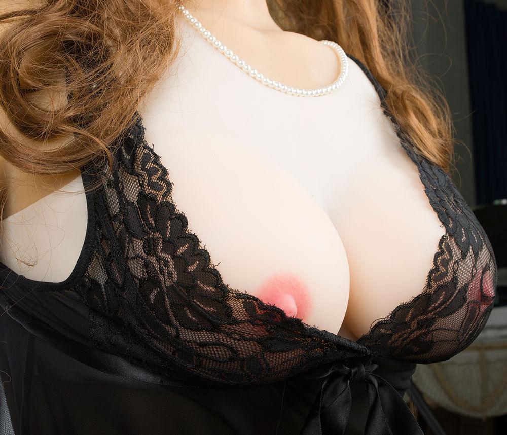 Sexy Pornstar Simone Riley Up Close And Personal